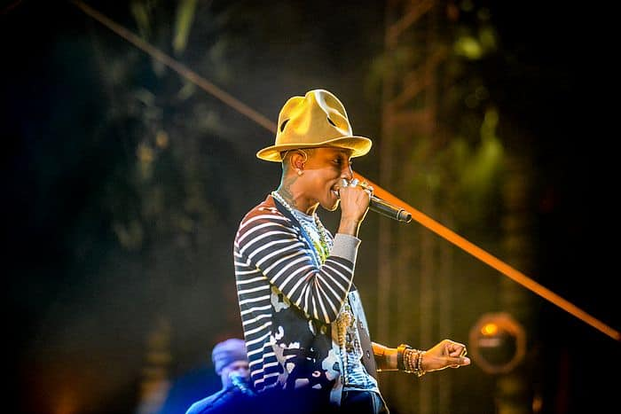 "<a href=""https://www.flickr.com/people/83850092@N07"">Shawn Ahmed</a>, <a href=""https://commons.wikimedia.org/wiki/File:Coachella_Day_2_(2ndWeek)-_Pharrell_Williams_(14005929132).jpg"">Coachella Day 2 (2ndWeek)- Pharrell Williams (14005929132)</a>, <a href=""https://creativecommons.org/licenses/by/2.0/legalcode"">CC BY 2.0</a>"
