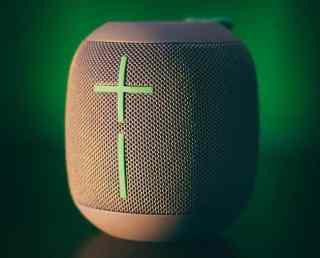 Bluetooth Lautsprecher unter 100 € Symbolfoto
