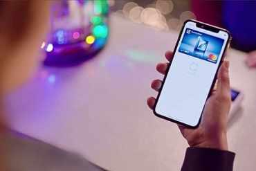 Screenshot aus Apple Pay - Deutsche Bank Werbung