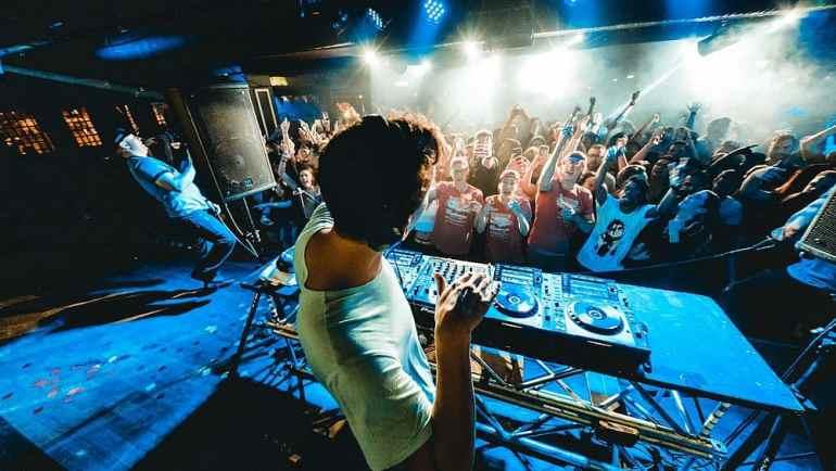 DJ Auftritt im Club