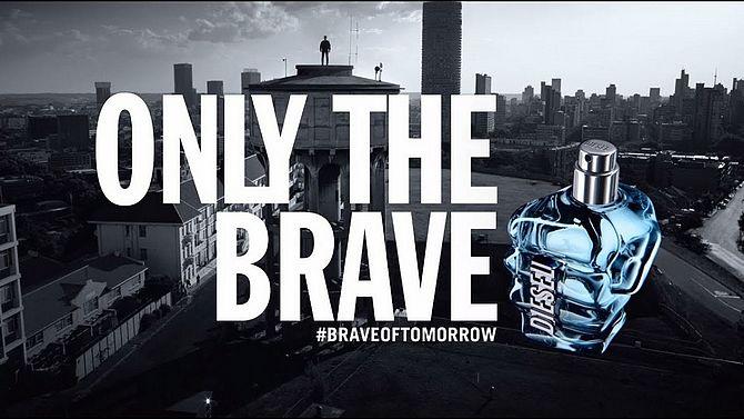 Screenshot aus ONLY THE BRAVE Werbung