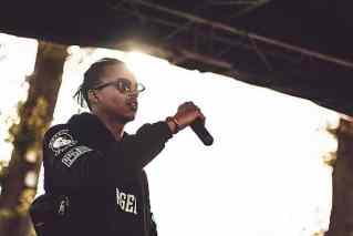 Rapper auf einer Bühne