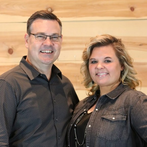 Headshot of Pastor Ted Robinson and his wife, Christy Robinson