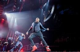 Usher, Forum