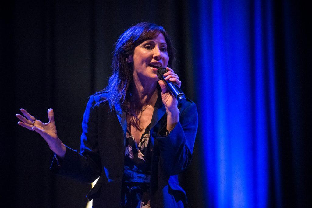 Natalie Imbruglia, Amager Bio