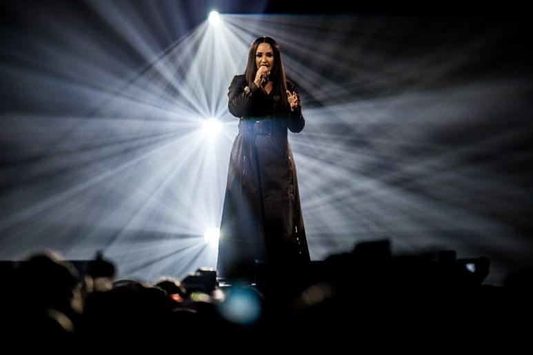 Demi Lovato, Forum, Forum Black Box