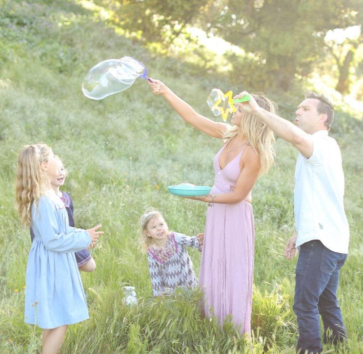 #summerfunideasforkids #summer #kids #family #summerfun #summersurvivalguide #summerbucketlistforkids | Poplolly co.