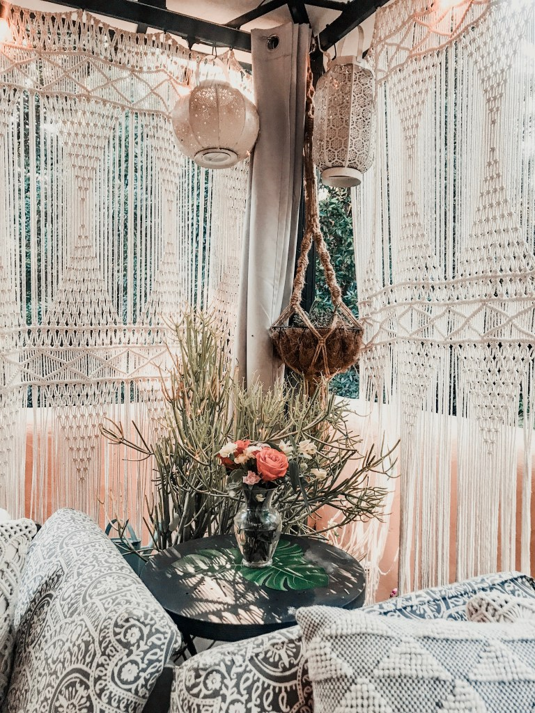boho outdoor decor | patio ideas | macrame | hanging plants | worldmarket | deck reveal | deck | Poplolly co.