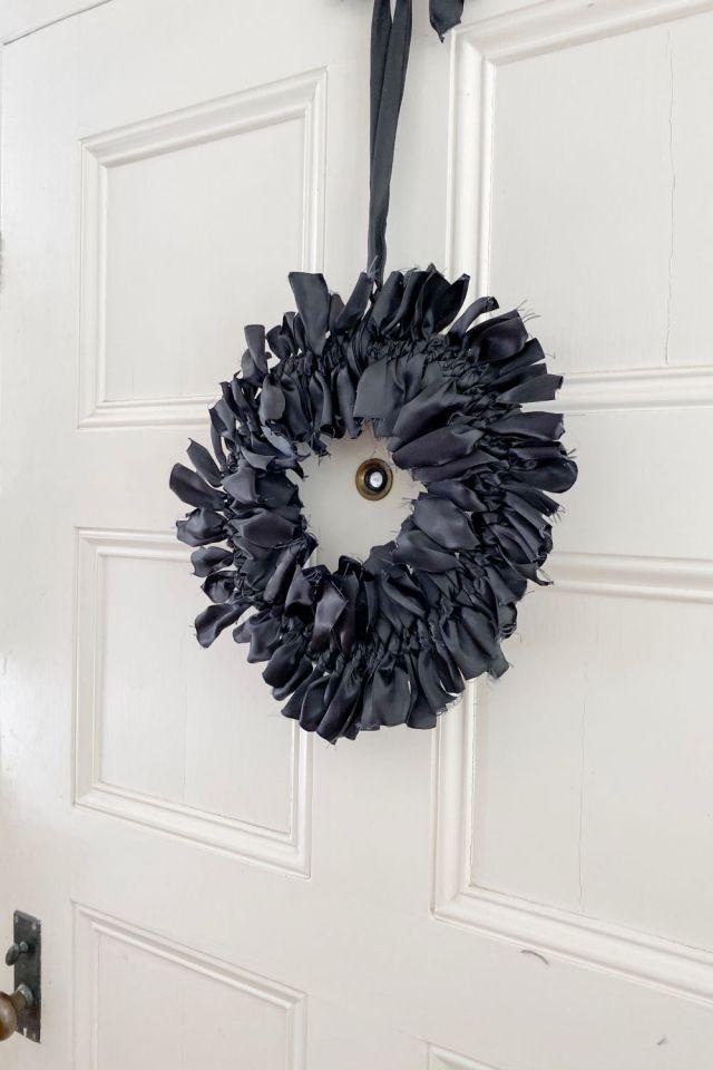 DIY halloween ribbon wreath | Poplolly co