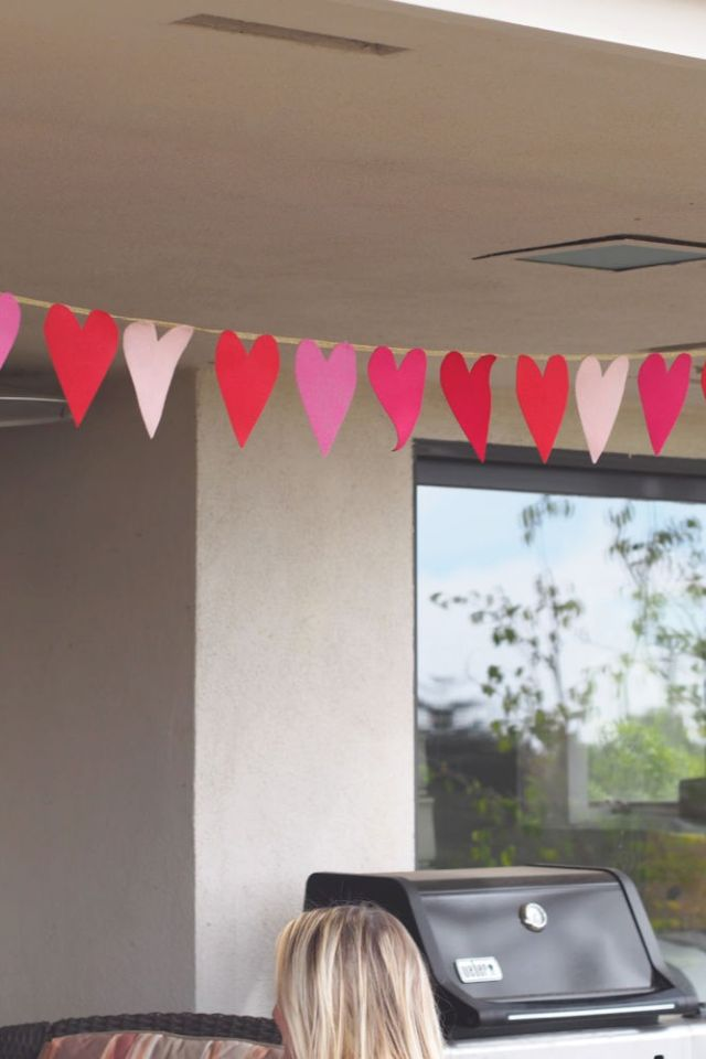 DIY felt heart garland | Poplolly co