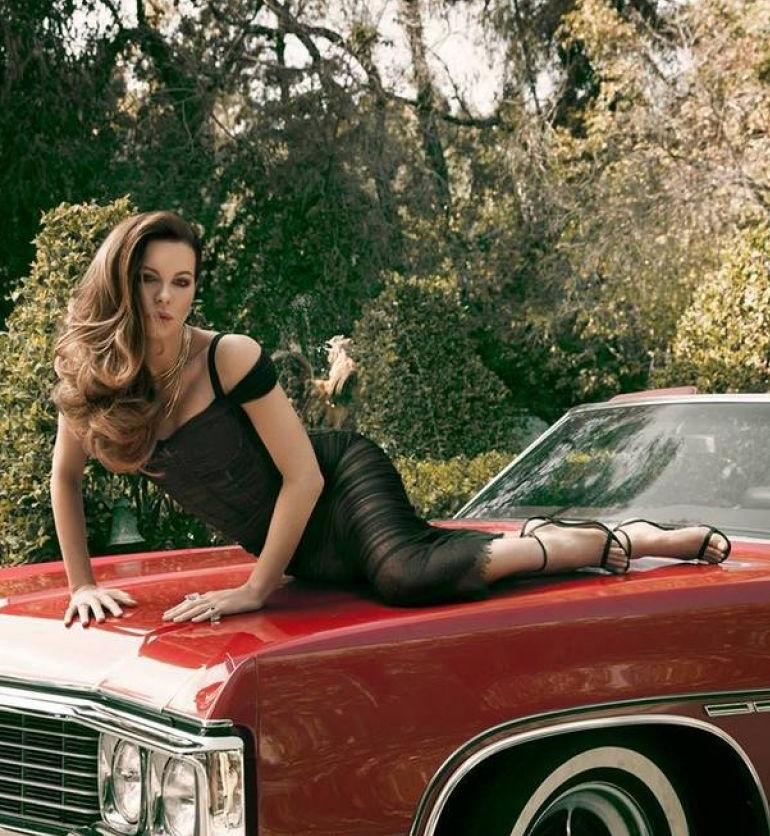 Pop Minute  Kate Beckinsale Car As If Photos  Photo 5