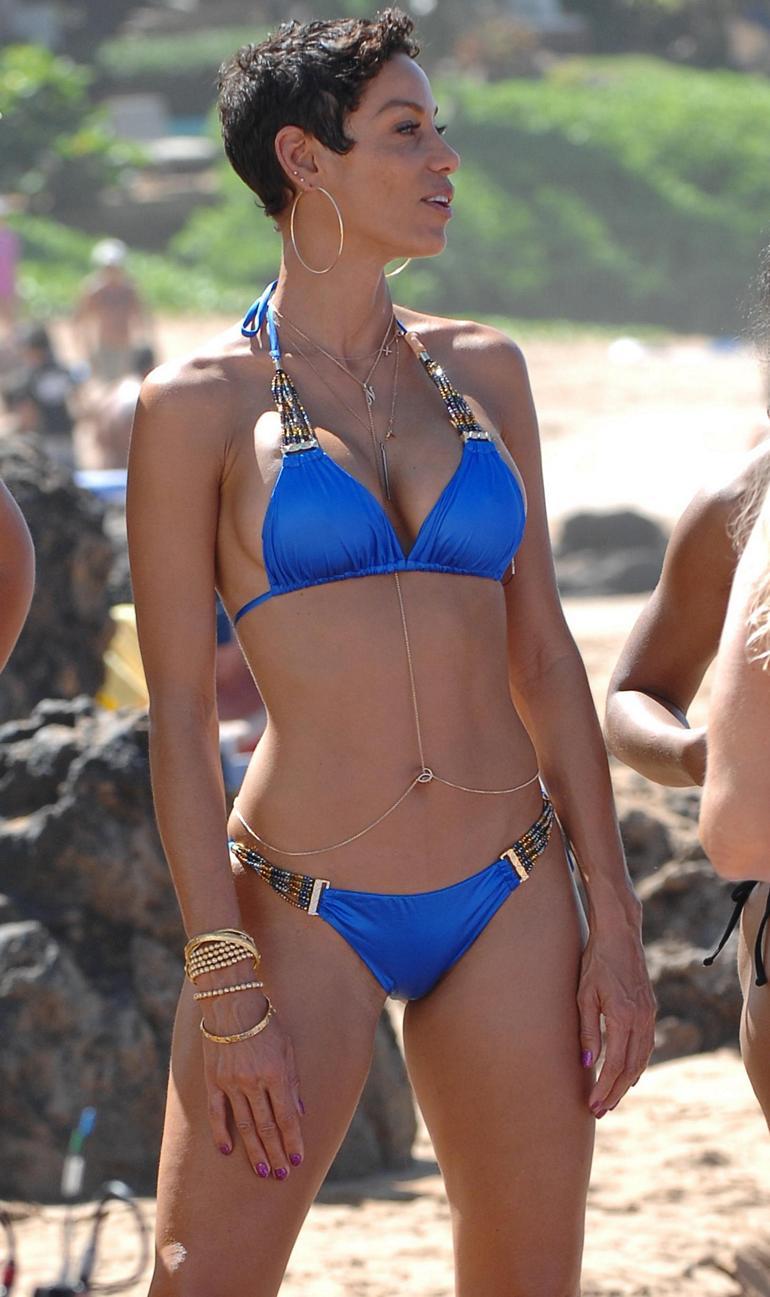 Pop Minute Nicole Murphy Bikini Paddleboard Hawaii