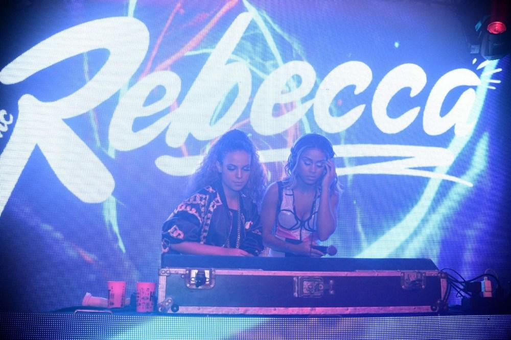 Bruna Strait e MC Rebecca. Foto: Universo Artístico