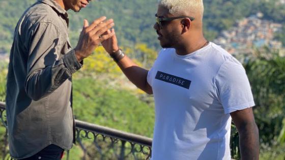 Mc 2Jhow e DJ Rennan da Penha gravam clipe de Talarica