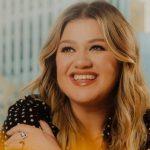 Kelly Clarkson. Foto: Reprodução / Twitter (@kellyclarkson)