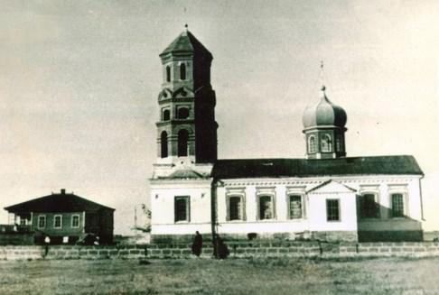 Успенский храм хутора Курган в 1908 г. (фотография с сайта http://favor.prihod.ru/photos)