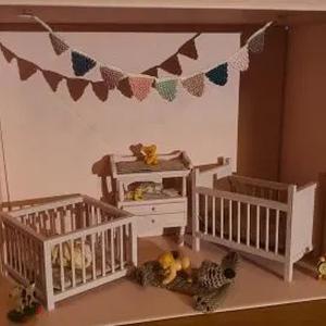 Kinderkamer maan poppenhuisje