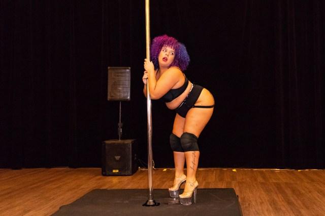 Maraviplus: escola oferece workshop de Pole Dance para gordas
