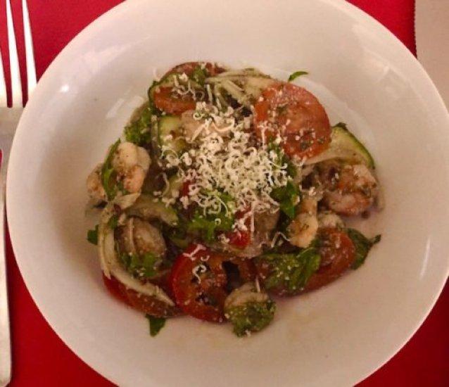 Shrimp Tossed Salad poppopcooks.com