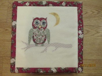 Olly Owl cushion-front