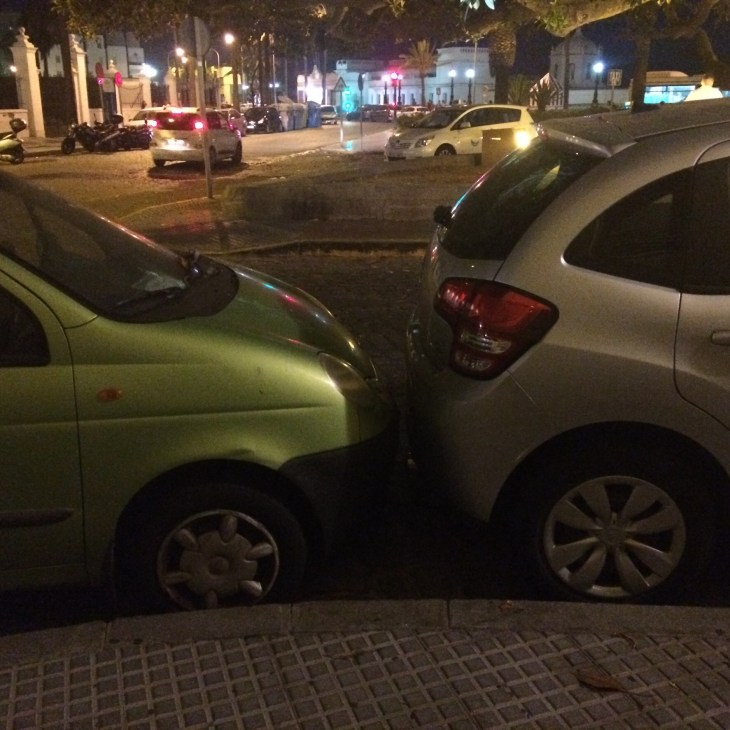 parkowanie w Hiszpanii, czyli dobry motywator do wykupienia pełnego ubezpieczenia