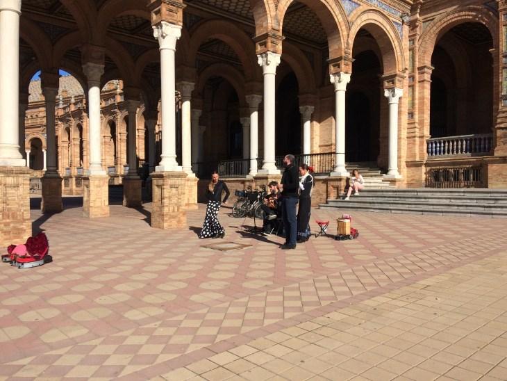 Sewilla, flamenco na Plaza de Espana