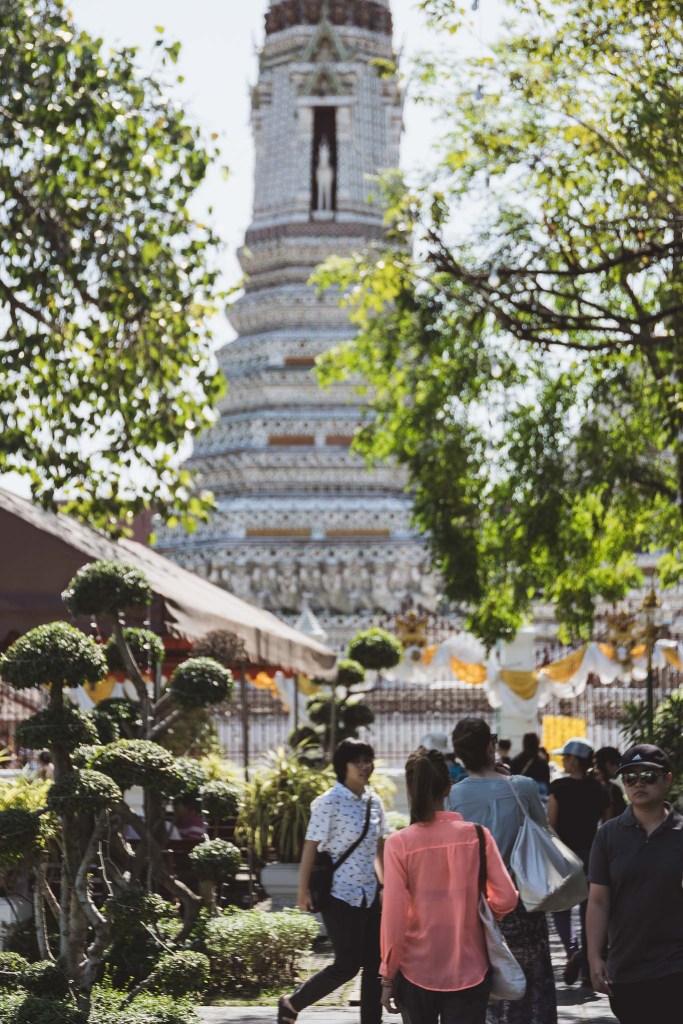 Bangkok, tutaj świątynie to element codziennego krajobrazu i kultury