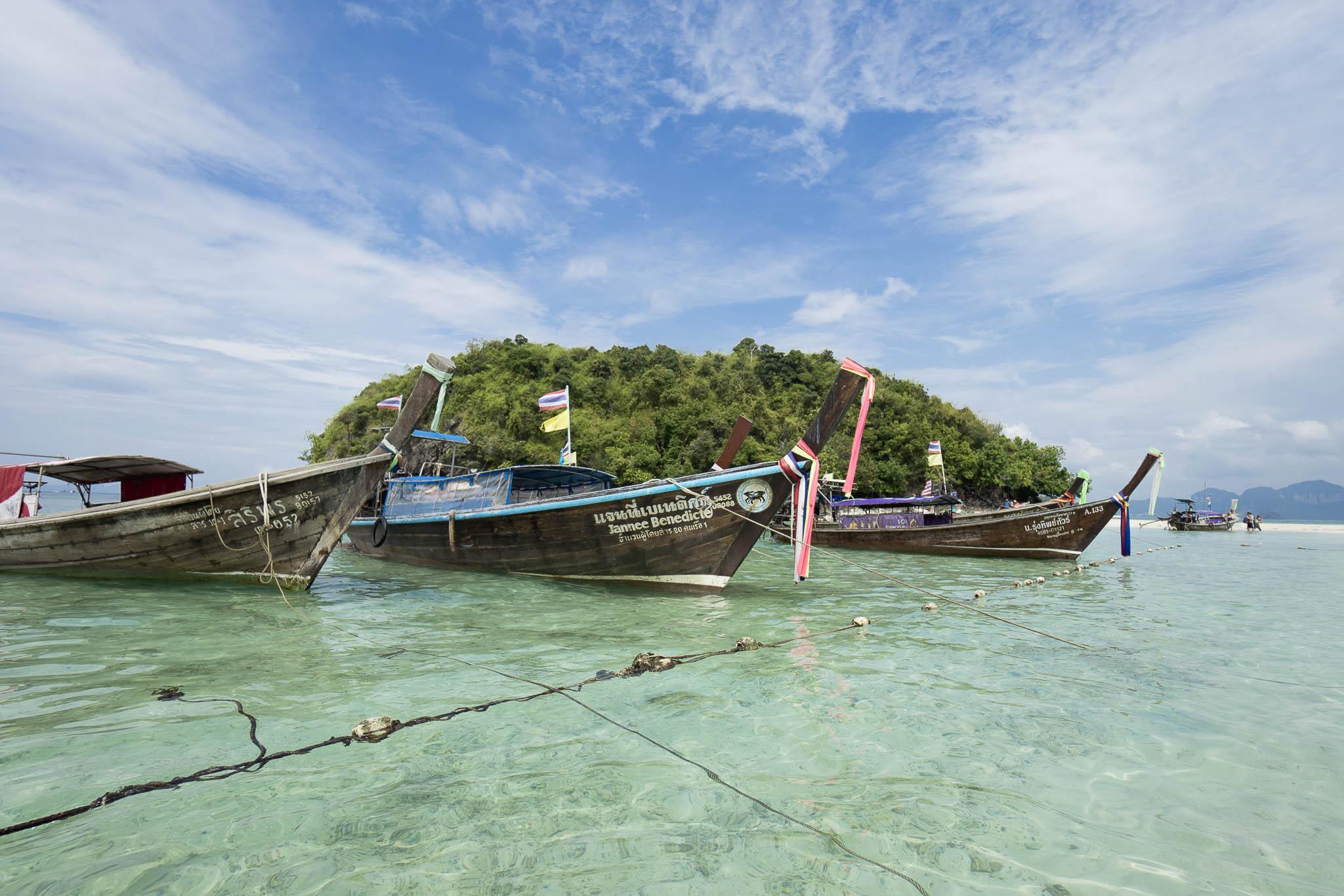 longtail boat, wizytówka regionu Krabi