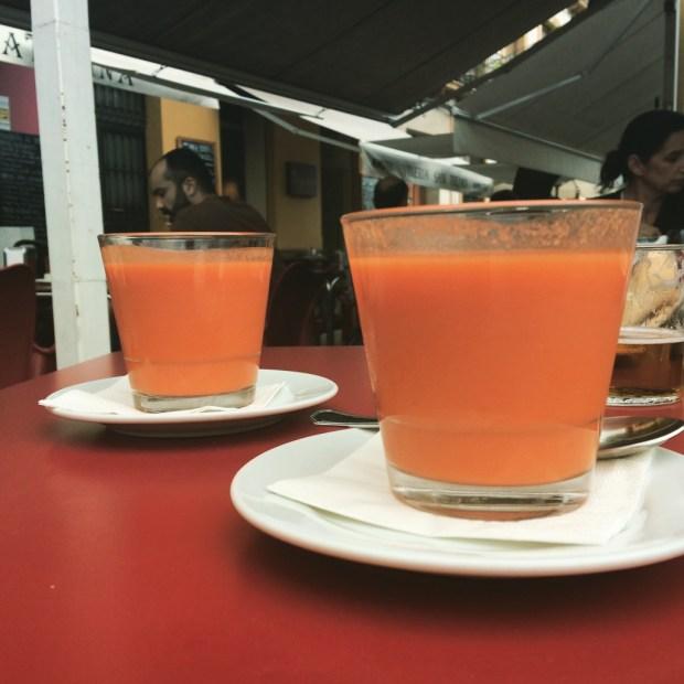 szklaneczka orzeźwiającego i sycącego zarazem gazpacho