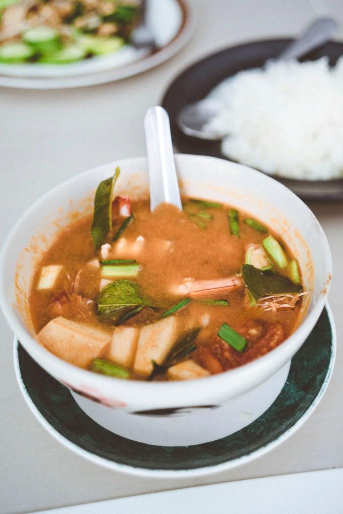 domowa zupa Tom Yum - jedna z najlepszych, jakie mieliśmy okazję próbować