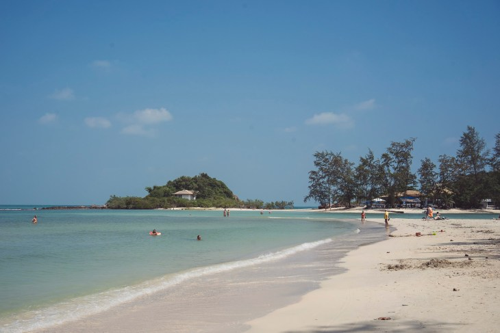 piękna plaża Choeng Mon