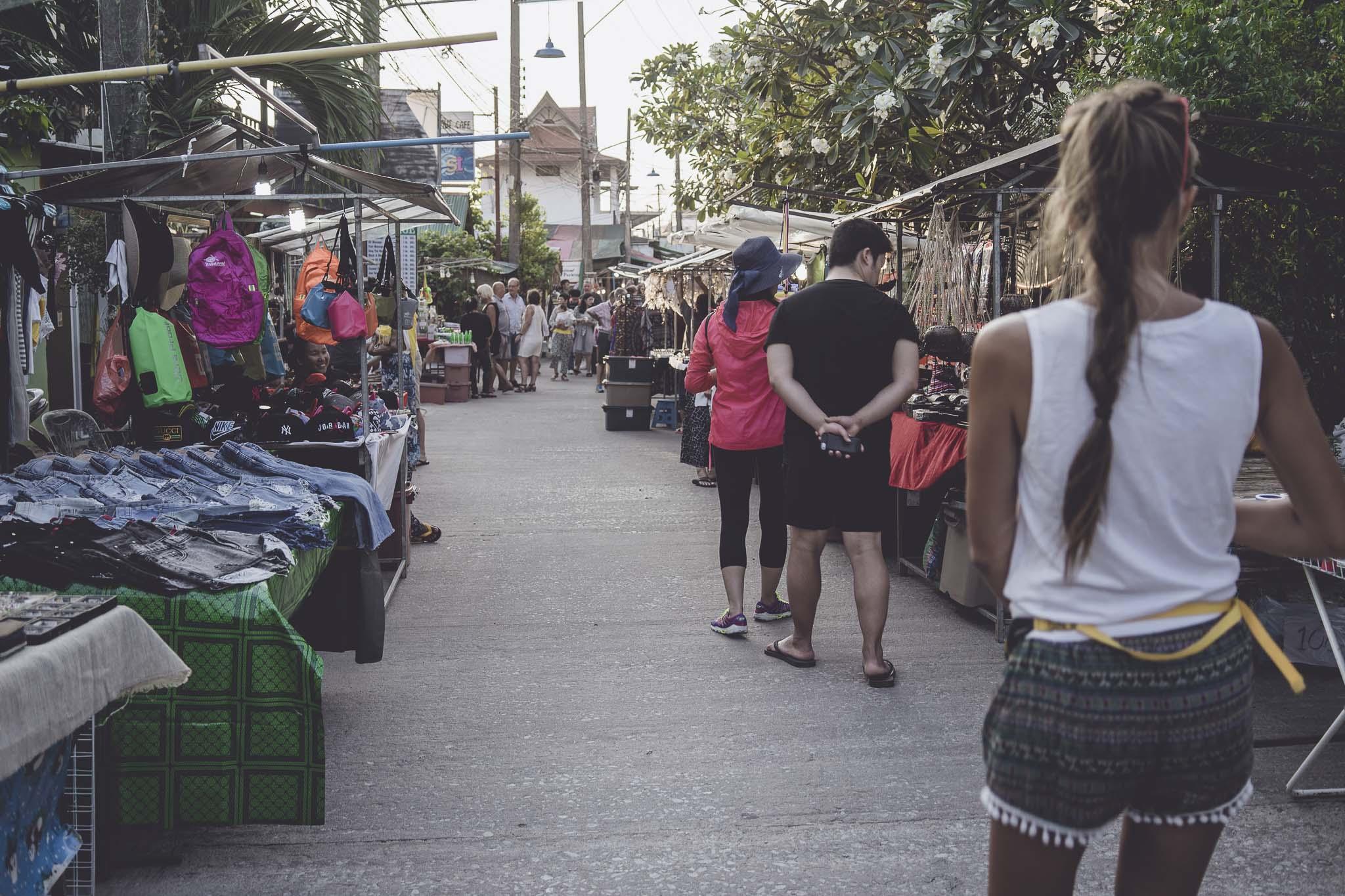 poczatek night market w Bophut