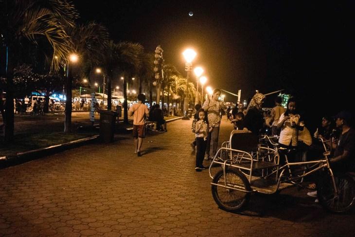 Baywalk nocą