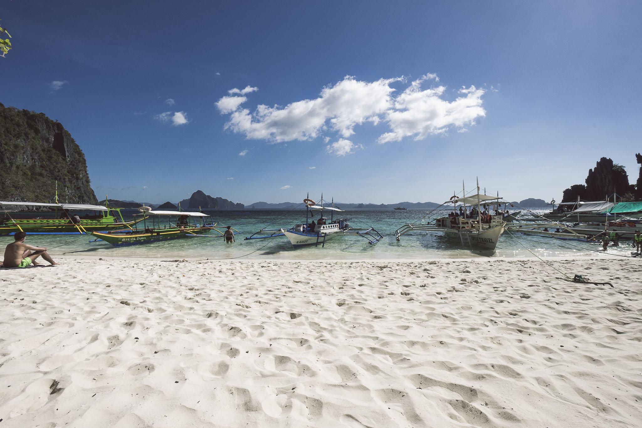 widziecie ten biały piasek? Kawałek raju na Papaya Beach