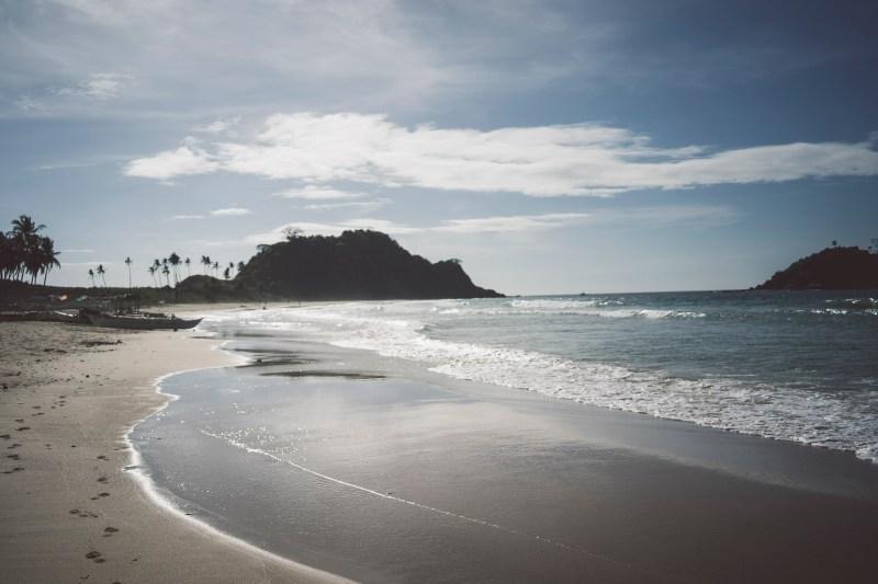 najpopularniejsza plaża Nacpan to kolejna piękna plaża, jednak najbardziej zatłoczona
