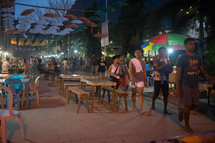 nocny market w El Nido, niepowtarzalny klimat