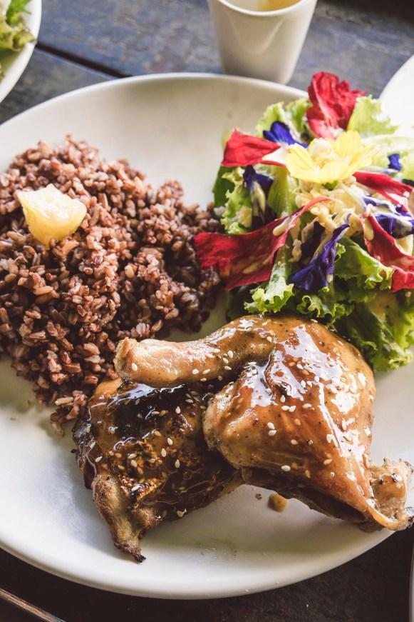 glazurowany kurczak z ryżem i sałatką