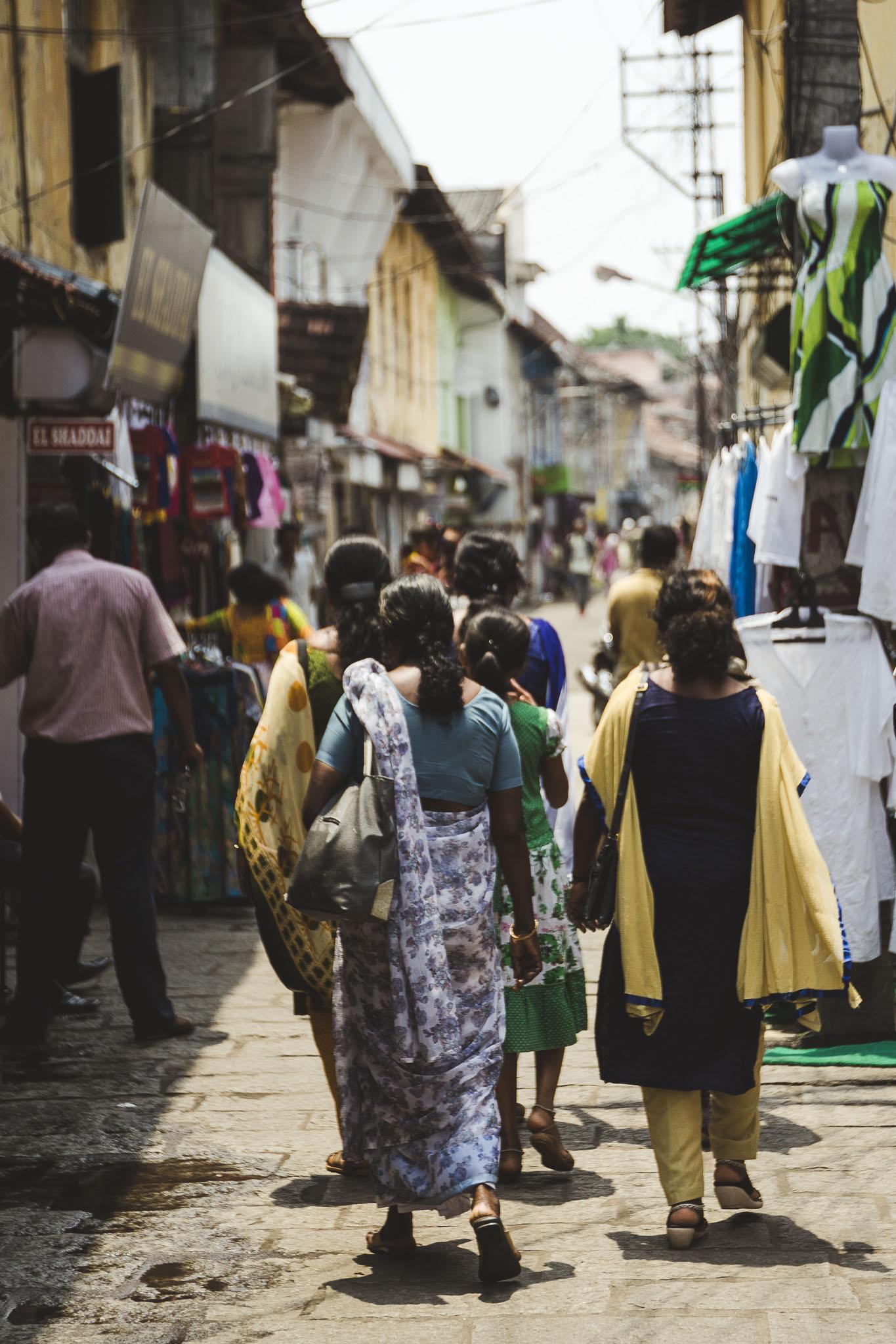 ulicami dzielnicy żydowskiej