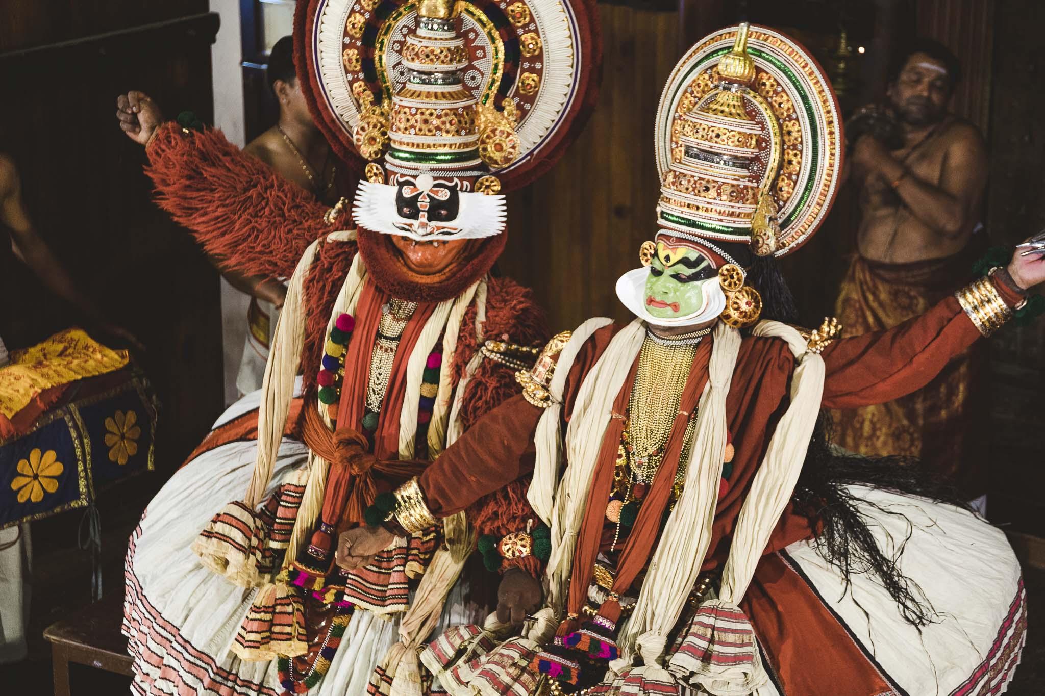 główni aktorzy przedstawienia Kathakali, Cochin, Kerala, India
