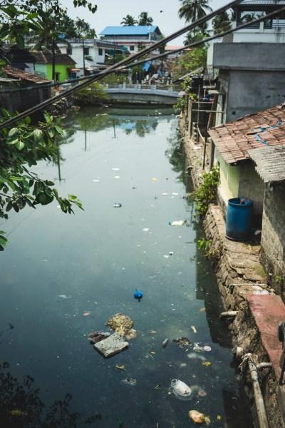 śmieci to niestety ta ciemniejsza strona Indii