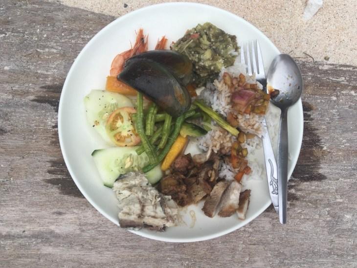 filipiński grill na talerzu