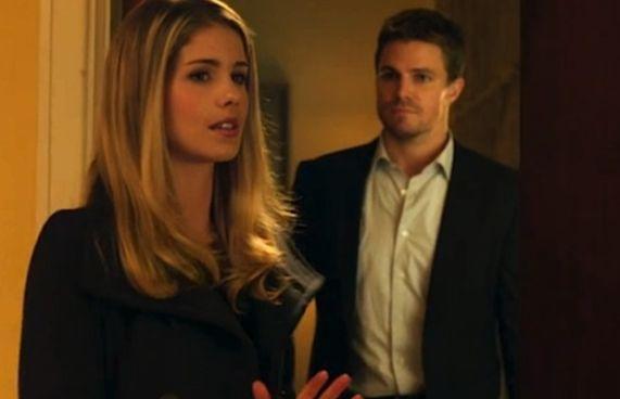 Arrow: mais romance para Oliver e Felicity?