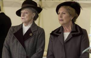 Downton Abbey: Lady Violet tenta salvar hospital