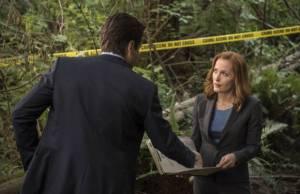 Arquivo X: Mulder e Scully procuram por monstro