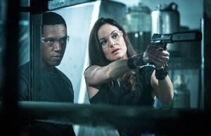 Katie e Broussard planejam operação em Colony 3