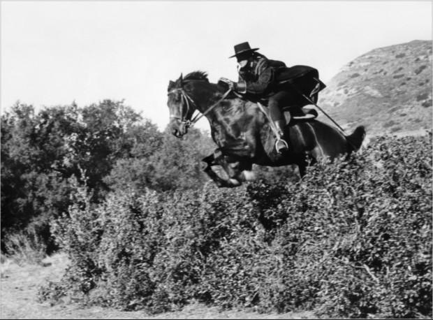 Como se chamava o cavalo do Zorro?