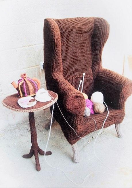 Yarn Chair and Yarn Tea Kettle by Lauren Porter | Yarn Art UK