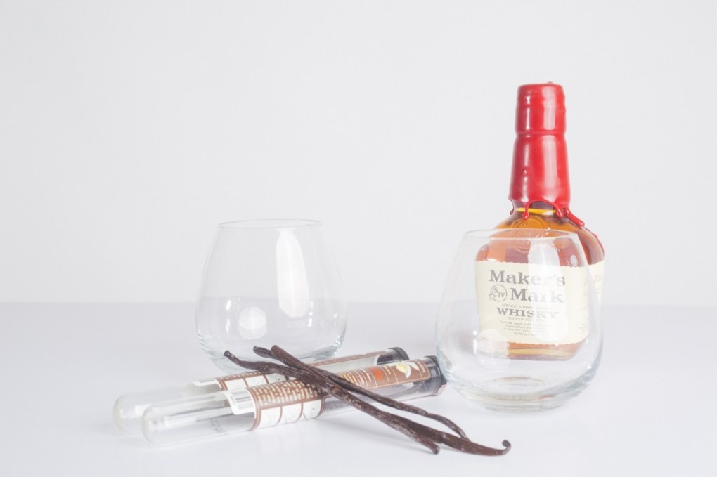 all the ingredients to make vanilla bean infused bourbon