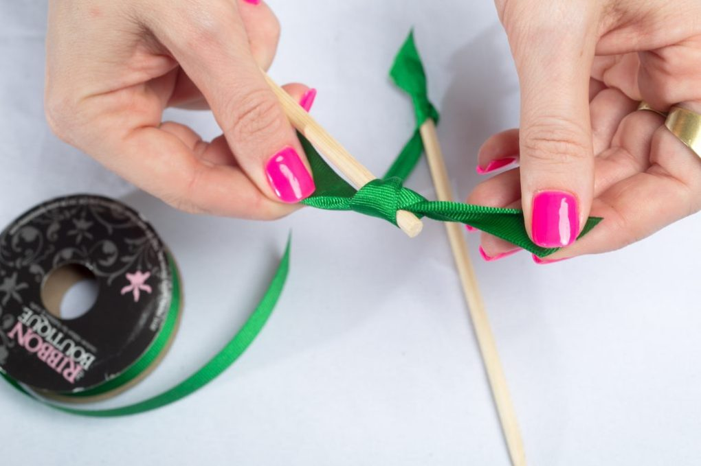 green-ribbon-cocktail-stirrers-diy-barware