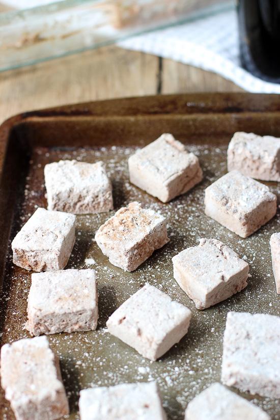 chocolate-irish-cream-marshmallows-1